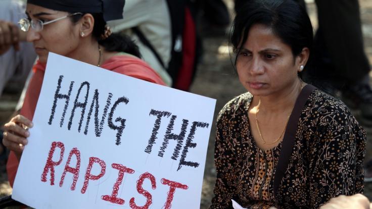 Nachdem eine 23-Jährige Ende 2012 in Indien vergewaltigt und ermordet wurde, droht ihren Peinigern die Todesstrafe. (Foto)