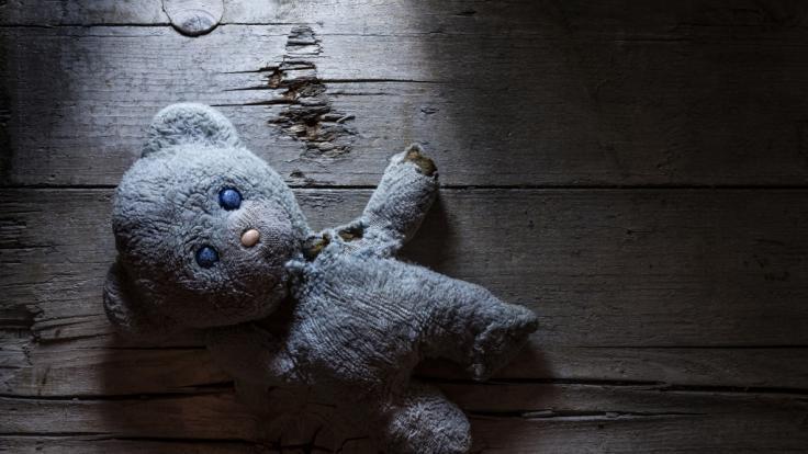 Ein Mädchen wurde von seiner Tante schwer misshandelt. (Symbolfoto) (Foto)