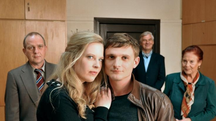Ines (Diana Amft) und Moritz (Florian Lukas) gehen eine Scheinehe ein.