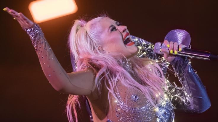 Christina Aguilera lässt im Netz die Hüllen fallen. (Foto)
