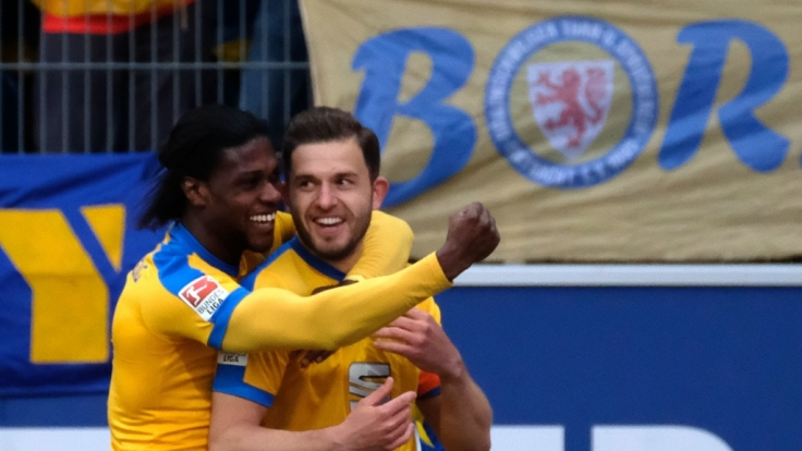 In der 2. Bundesliga steht der vorletzte Spieltag an. Für Eintracht Braunschweig geht es dabei um den Aufstieg in die 1. Bundesliga. (Foto)