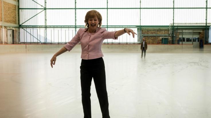 Iris Berben gibt die Bundes-Angela. (Foto)