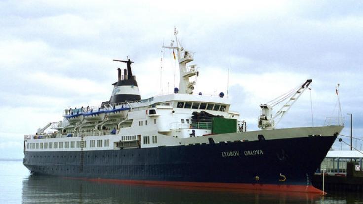 Vom ehemaligen russischen Kreuzfahrtschiff