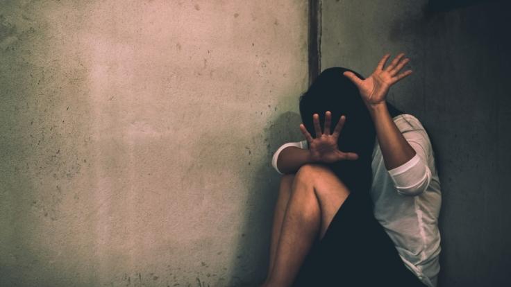 Eine 11-Jährige wurde von einem 14-Jährigen vergewaltigt. (Symbolbild)
