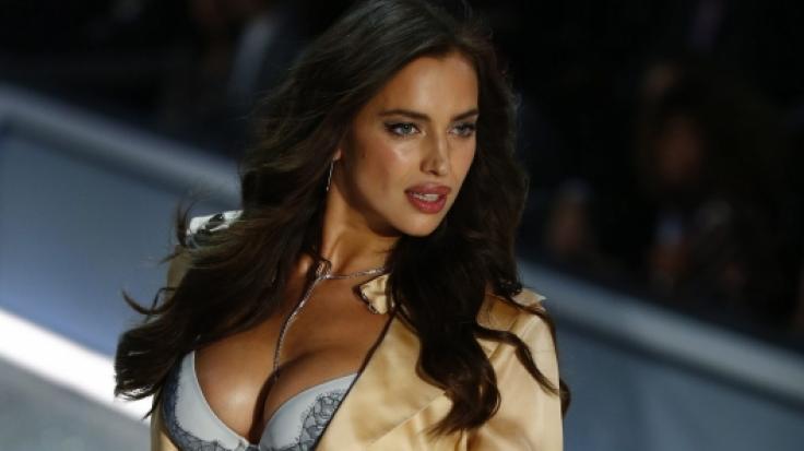Auf ihrem neuesten Instagram-Post verzichtete Model Irina Shayk auf die Hose - die Fans flippten aus. (Foto)