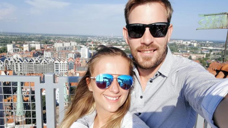 """Wenige Tage vor ihrer kirchlichen Hochzeit in Polen besuchte das """"Bauer sucht Frau""""-Traumpaar Anna und Gerald Danzig. (Foto)"""