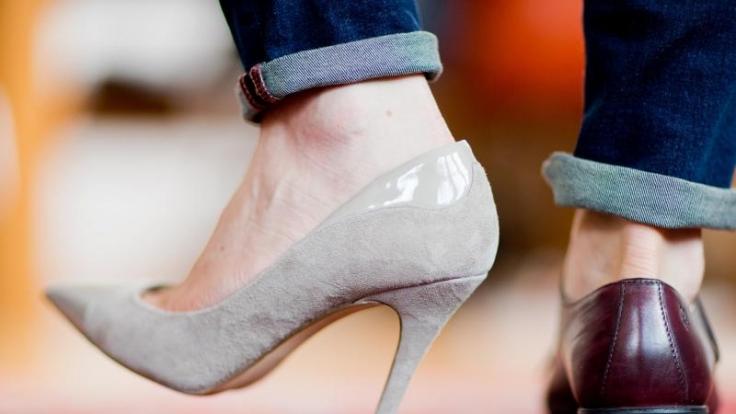 Was High Heels und Füße doch für eine Anziehungskraft ausüben können.