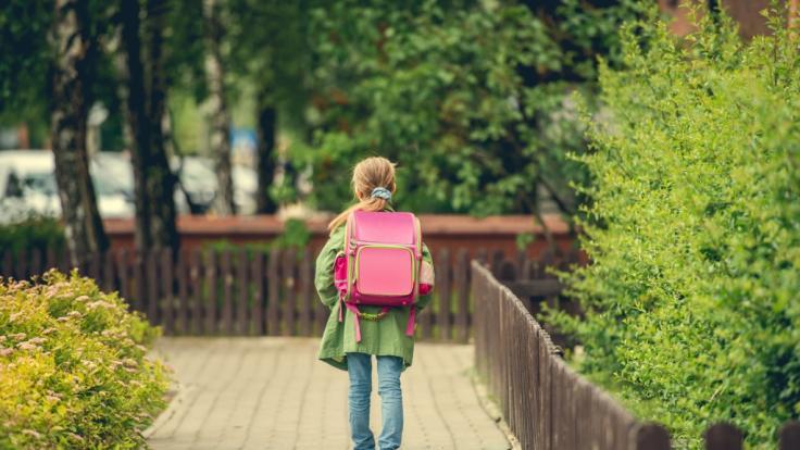 Das Mädchen wurde auf dem Schulweg vergewaltigt. (Foto)