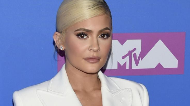 Kylie Jenner lässt im Netz tief blicken. (Foto)
