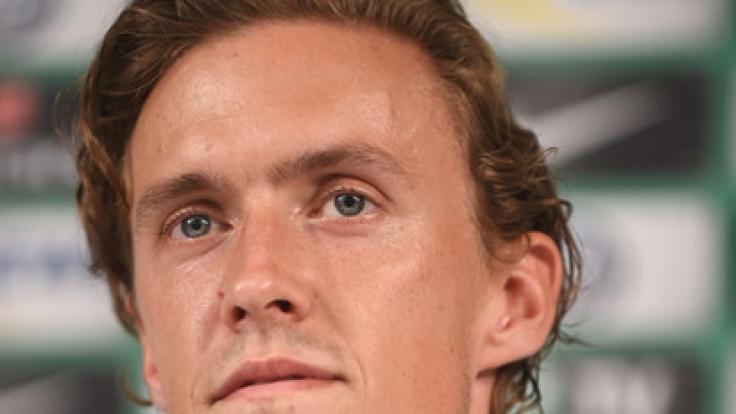 Fußballer Max Kruse, der für den SV Werder Bremen spielt, ist bei einem Autounfall bei Glatteis verunglückt.
