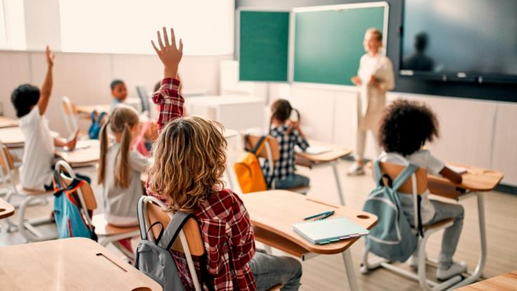 """Tragischer Corona-Tod! In den USA ist ein bis dahin """"völlig gesundes"""" Schulmädchen (10) an den Folgen einer Corona-Infektion verstorben. Das Kind hatte sich in der Schule angesteckt. (Foto)"""