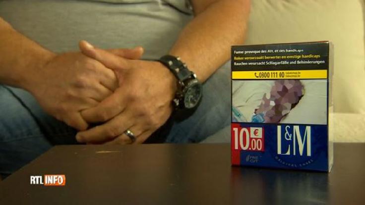 Ein Belgier entdeckte auf einer Zigarettenschachtel seinen toten Vater. (Foto)