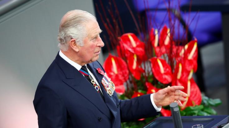 Bei seinem Deutschlandbesuch könnte Prinz Charles gegen die Regeln der royalen Etikette verstoßen haben.