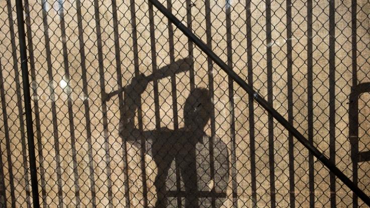 Negan klopft in der neuen Episode von TWD an Ricks Tor. (Foto)