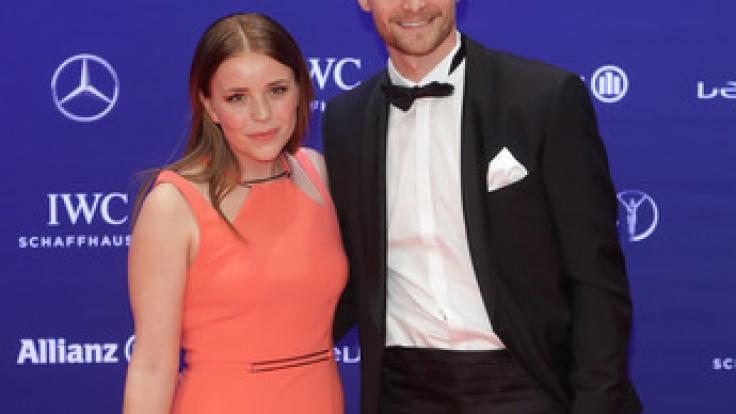 Benedikt Höwedes mit seiner Frau Lisa bei der Verleihung der Laureus Sport Awards 2016.