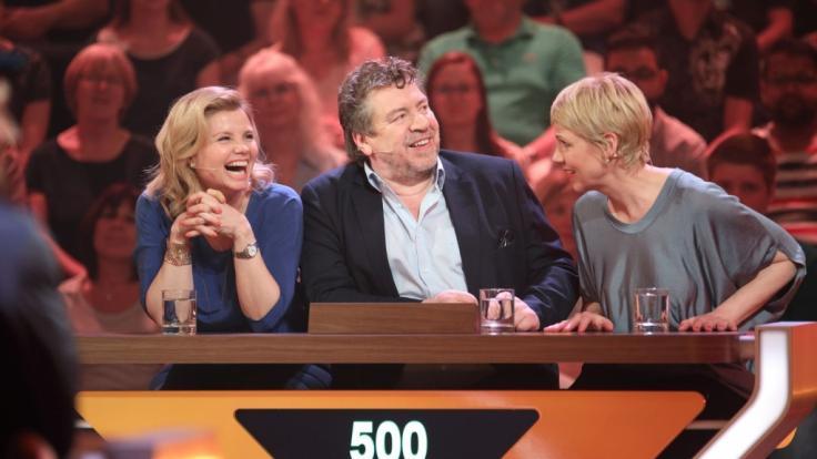 """Ein Rateteam von """"Da kommst du nie drauf"""": (v.l.) Annette Frier, Armin Rohde und Cordula Stratmann. (Foto)"""