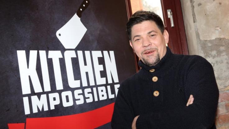 """Fernsehkoch Tim Mälzer präsentiert bei Vox """"Kitchen Impossible"""". (Foto)"""