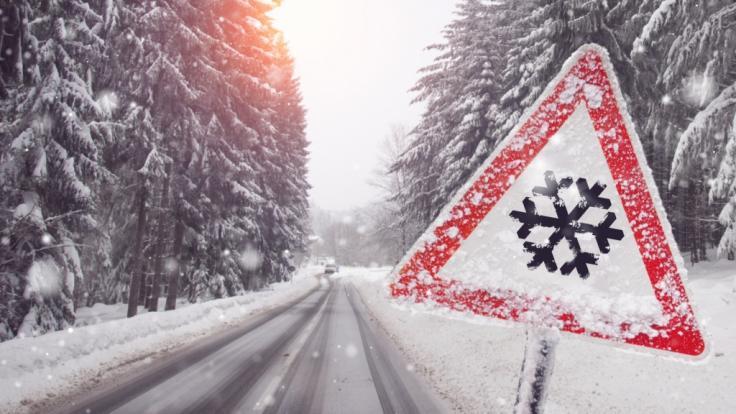 Die neue Woche beginnt winterlich mit Neuschnee und Glättegefahr.