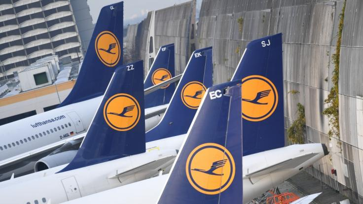 Mitten in der Feriensaison kommen auf die Lufthansa und ihre Kunden Streiks der Flugbegleitergewerkschaft Ufo zu. (Foto)
