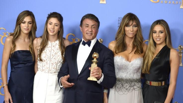 Sylvester Stallone mit seiner Frau Jennifer Flavin und seinen Töchtern.