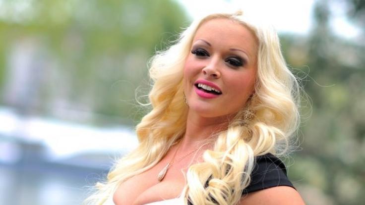 Daniela Katzenberger ist für ihre üppige Figur bekannt - und bringt ihre Fans mit einem sexy Bikini-Video um den Verstand.