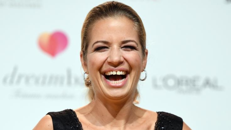 Ob auf dem roten Teppich, vor der Fernsehkamera oder auf der Theaterbühne: Susan Sideropoulos strahlt die Lebenslust aus jeder Pore. (Foto)