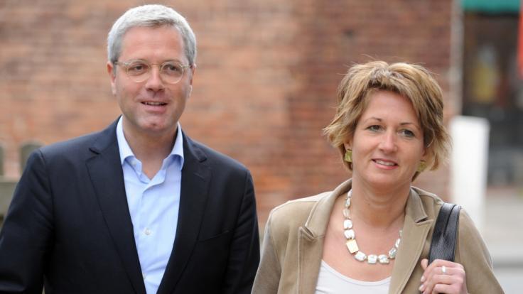 CDU-Spitzenkandidat Norbert Röttgen und seine Frau Ebba im Jahr 2012 in Königswinter auf dem Weg zur Stimmabgabe für die Landtagswahl.