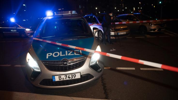 In Berlin-Charlottenburg ermittelt die Polizei, nachdem eine 92-jährige Frau gewaltsam zu Tode kam (Symbolbild). (Foto)