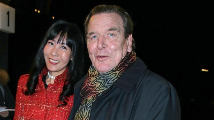 Soyeon Kim (l.) und Gerhard Schröder waren am Wochenende in Berlin unterwegs.