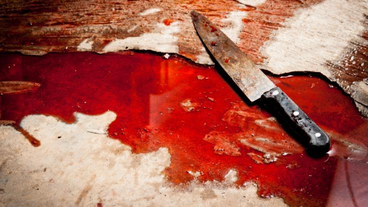 13 Jahre lang trieb der indische Serienvergewaltiger Akku Yadav sein Unwesen - bis ihn ein Lynchmob mit Messern und Steinen tötete (Symbolbild). (Foto)