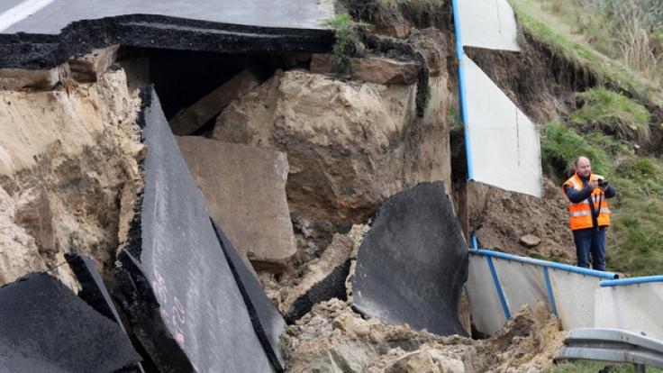 Die Ostsee-Autobahn A20 ist bei Tribsees eingestürzt. (Foto)