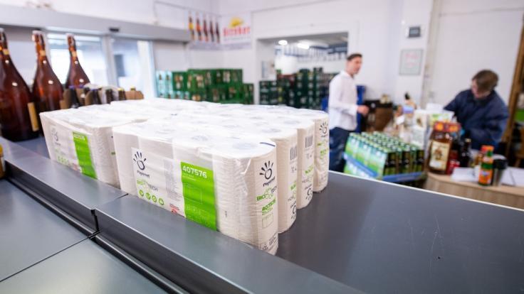 Besonders betroffen von den Corona-Vorratskäufen: Toilettenpapier. (Foto)