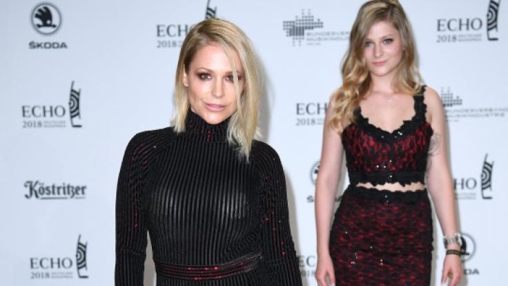 So kennen wir Sängerin Michelle (links, zusammen mit ihrer Tochter) jetzt. (Foto)