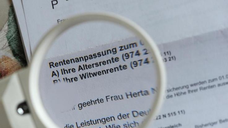 Das Rentenpaket tritt am 1. Juli in Kraft. Ruheständler bekommen dann mehr Geld.