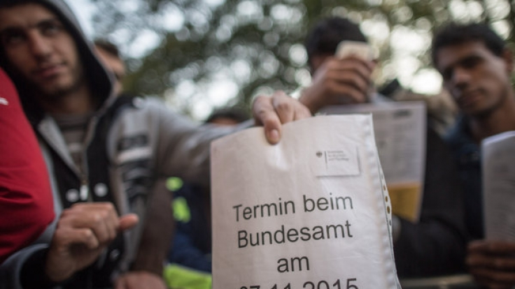 Hunderttausende Flüchtlinge warten auf die Entscheidung ihrer Asylanträge.