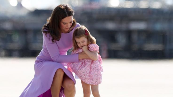 Mutet Kate Middleton ihrer zwei Jahre alten Tochter Prinzessin Charlotte zu viel zu? (Foto)