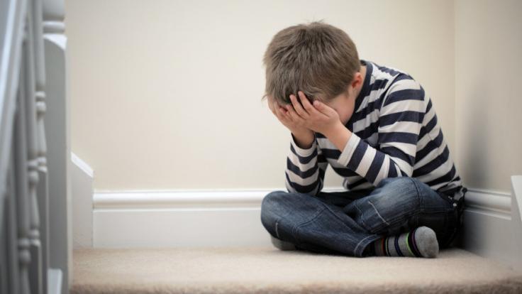 In Irland missbraucht ein Vater seinen zweijährigen Sohn, weil ihn der Sex mit Frauen nicht befriedigt. (Symbolbild) (Foto)