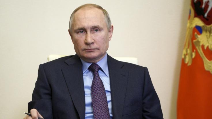 Was plant Wladimir Putin?