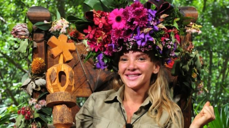 Dschungelkönigin Evelyn Burdecki kommt nicht bei allen gut an.