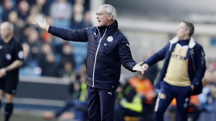 Trainer Claudio Ranieri tritt mit Leicester beim FC Sevilla an.