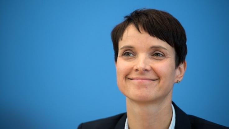 Frauke Petry tritt in einem Interview gegen die AfD nach. (Foto)