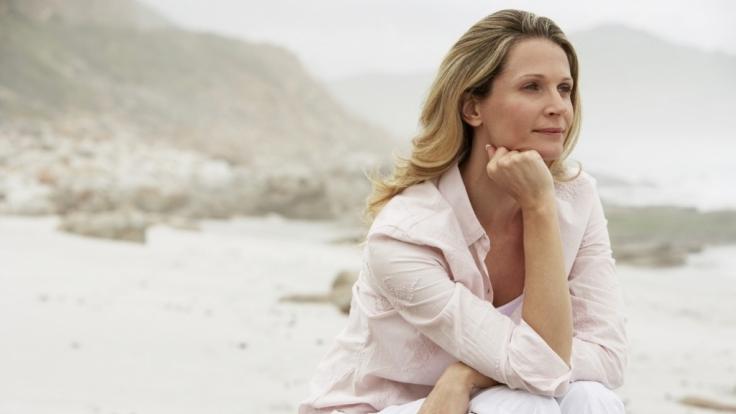 In den Wechseljahren werden Frauen mit zahlreichen Veränderungen ihres Körpers konfrontiert.