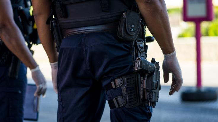 Die Polizei hatte keine Wahl, als den 24-jährigen Geiselnehmer in Notwehr zu erschießen (Symbolbild). (Foto)