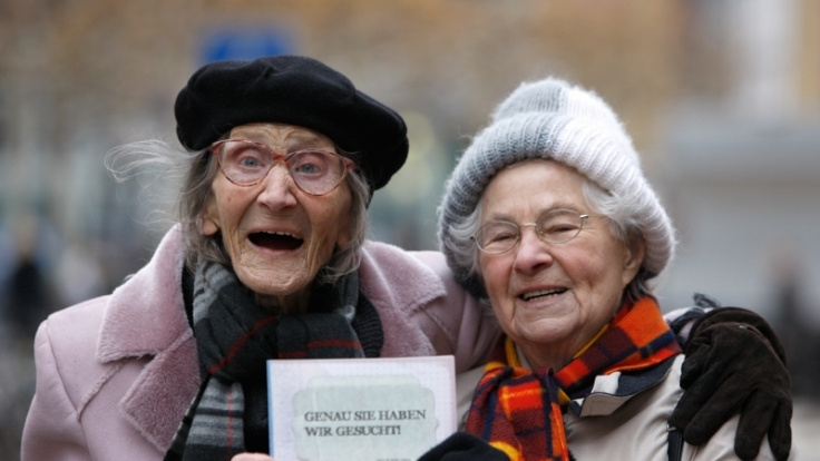 Seniorinnen werben fürs Ehrenamt. (Foto)