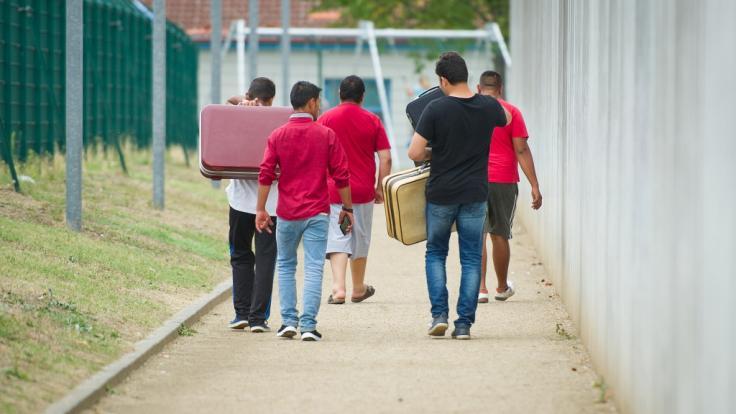 Deutschland hat laut Medienberichten im vergangenen Jahr rund 21 Milliarden Euro für Flüchtlinge ausgegeben. (Foto)