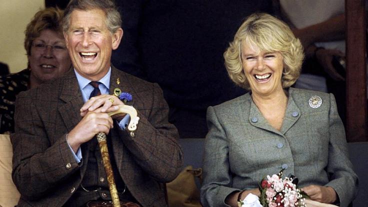Prinz Charles und Camilla Parker-Bowles sind seit Jahren glücklich verheiratet - auch ohne eigenen Nachwuchs. (Foto)