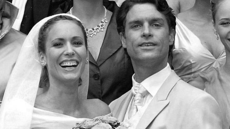 """Die alte Aufnahme zeigt Ron Holzschuh und Heike Brentano im Jahr 2004 am """"Verbotene Liebe""""-Set. (Foto)"""
