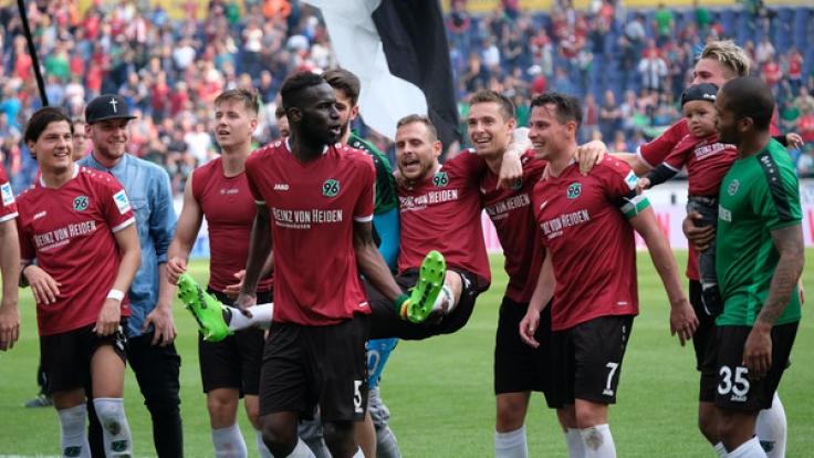Hannover 96 steht am 34. Spieltag kurz vor dem Aufstieg in die erste Bundesliga. (Foto)