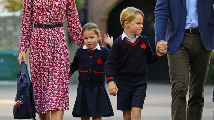 Prinzessin Charlotte und Prinz George kehren zum neuen Schuljahr an ihre Schule zurück. So werden die Mini-Royals von ihren Mitschülern genannt!