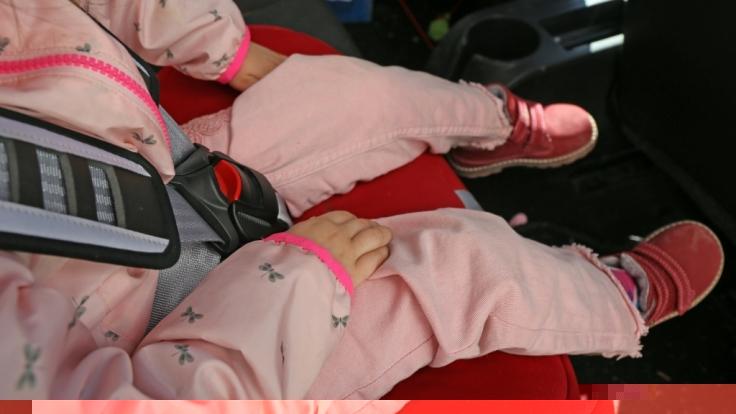 Die kleine Joselyn war noch angeschnallt, als man sie tot im Auto auffand. (Foto)